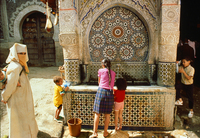 Gathering water from the well Morocco
